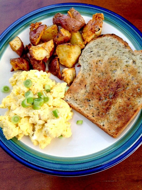 Scrambled Eggs, Red Skin Potatoes and Tuscan Herb Toast