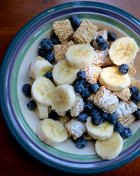 Cereal with Bananas and Blueberries