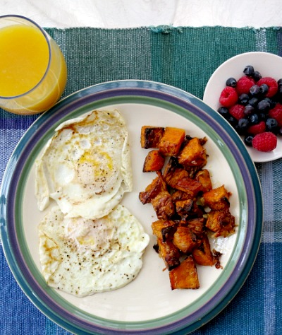Monday Breakfast Fried Eggs, Roasted Sweet Potatoes and Berries
