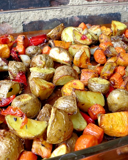 Easy Oven Roasted Vegetables: a quick and easy method to roast veggies ...