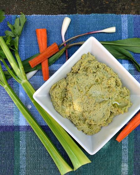 Pistachio Ramp Pesto Hummus