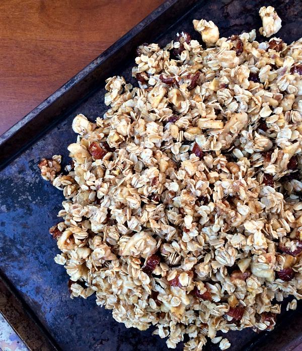 http://cleaneatsfastfeets.com/2014/12/12/banana-bread-granola-recipe/
