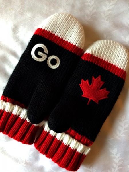 Go Canada Mittens