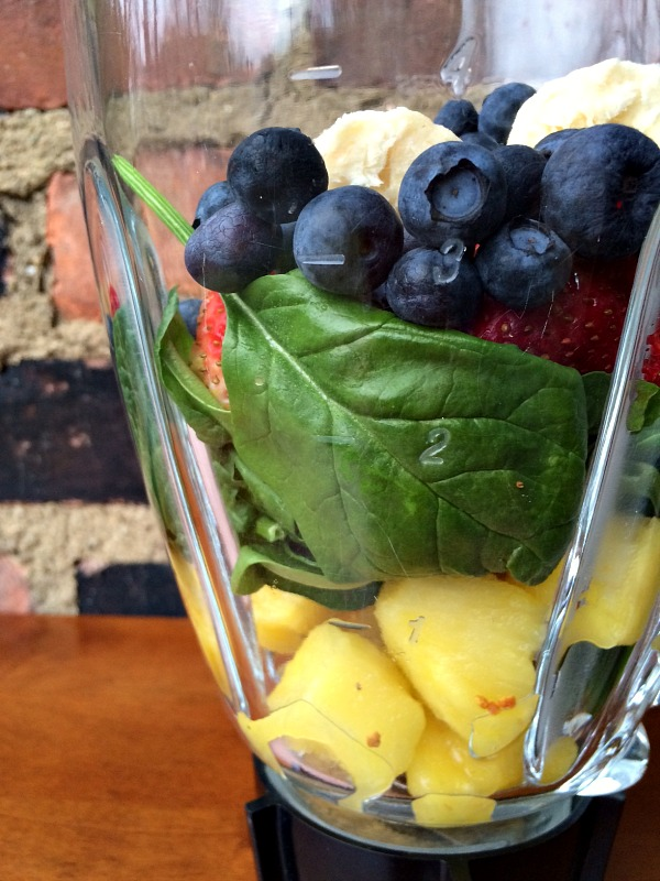 Sunday Morning Smoothie with Spinach, Blueberries, Strawberries, Banana and Pineapple