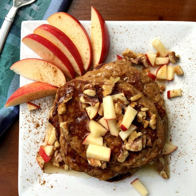 Healthy Apple Pie Pancakes with Warm Maple Syrup: an acceptable way to eat apple pie for breakfast.