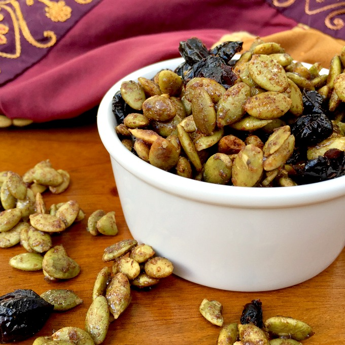 Sweet, Salty & Satisfying Pumpkin Cranberry Trail Mix ...