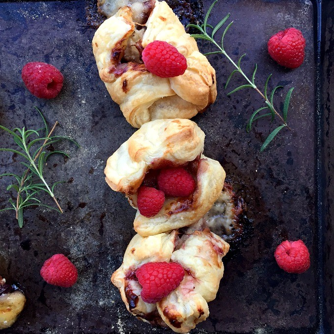 Sweet, succulent, savory, sassy and sexy, these baked brie bites with raspberry sauce will tantalize your taste buds and make you the talk of the town.