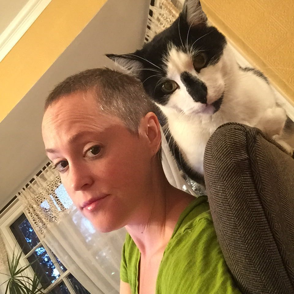 Meg No Hair Make Up Free Selfie and Oscar