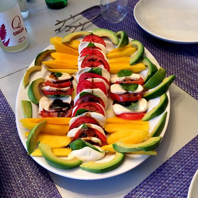 Mango caprese salad | eat. drink. and be merry. | Pinterest