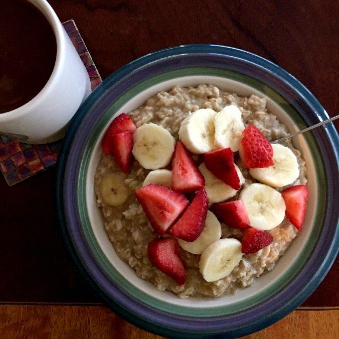 coffee-oatmeal-bananas-and-strawberries