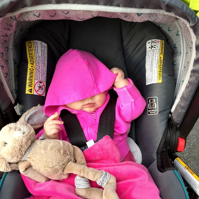 ave-stroller-walk-hoodie-in-face-october-2016